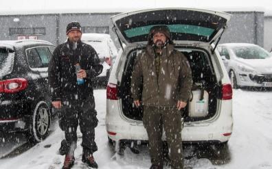 leichter Schneefall am Billa Parkplatz